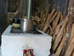This beautiful stove provides a clean cooking environment.