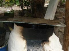 The condition of the pot tells you what the fire looked like.